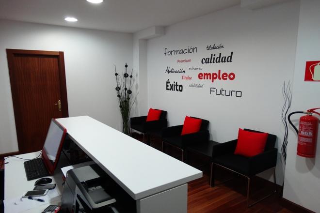 Recepción y sala de espera Titulae en Bilbao